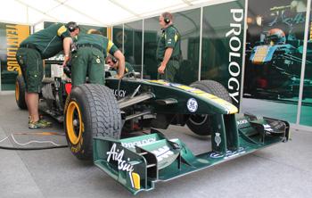 Боксы команды Team Lotus