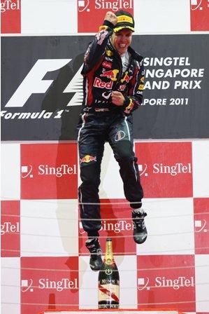 Победитель Гран При Сингапура 2011 Себастьян Феттель